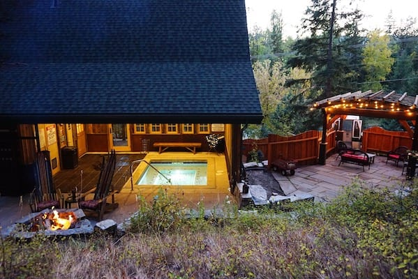 Hidden Moose Lodge Hot Tub Fire Pit Whitefish Montana